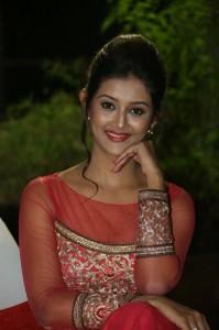 Pooja-Jhaveri-New-Stills-19
