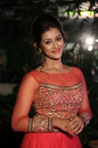 Pooja-Jhaveri-New-Stills-22