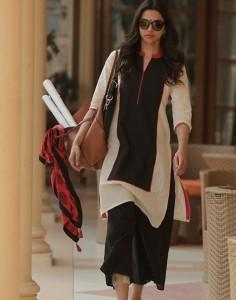 Amitabh-Bachchan-Deepika-Padukone-Piku-Movie-Stills-6