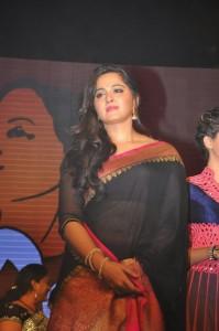 Anushka Stills at Rudhramadevi Audio Launch (16)