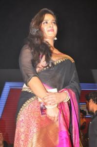 Anushka Stills at Rudhramadevi Audio Launch (6)