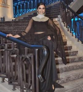 Deepika-Padukone-Stills-At-Lakme-Fashion-Week-2015-13