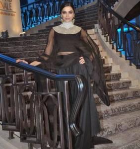 Deepika-Padukone-Stills-At-Lakme-Fashion-Week-2015-15