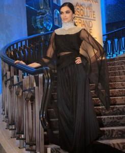 Deepika-Padukone-Stills-At-Lakme-Fashion-Week-2015-17