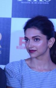 Deepika-Padukone-Stills-at-Piku-Movie-Trailer-Launch-1
