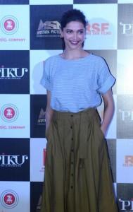 Deepika-Padukone-Stills-at-Piku-Movie-Trailer-Launch-3