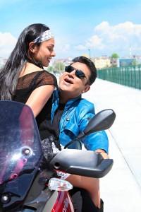 Kamal-Haasan-Pooja-Kumar-Uttama-Villain-Movie-Stills-10