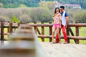 Kamal-Haasan-Pooja-Kumar-Uttama-Villain-Movie-Stills-15