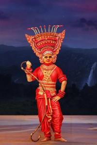 Kamal-Haasan-Pooja-Kumar-Uttama-Villain-Movie-Stills-9