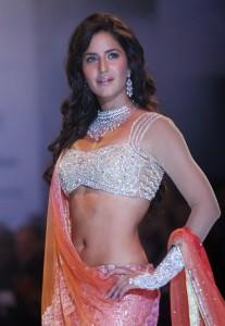 Katrina-Kaif-Stills-At-Ramp-Walk-For-Nakshatra-Diamond-2