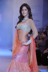 Katrina-Kaif-Stills-At-Ramp-Walk-For-Nakshatra-Diamond-3