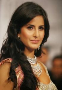 Katrina-Kaif-Stills-At-Ramp-Walk-For-Nakshatra-Diamond-4