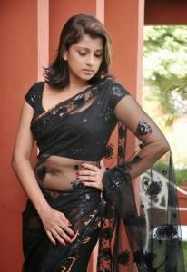 Nadeesha-Navel-Show-12