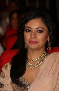 Pooja-Kumar-Stills-At-Uthama-Villian-Telugu-Audio-Launch-11