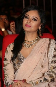 Pooja-Kumar-Stills-At-Uthama-Villian-Telugu-Audio-Launch-17