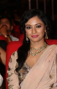 Pooja-Kumar-Stills-At-Uthama-Villian-Telugu-Audio-Launch-5