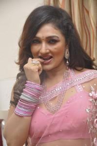 Ramya-Sri-Stills-At-O-Malli-Movie-Audio-Success-Meet-2