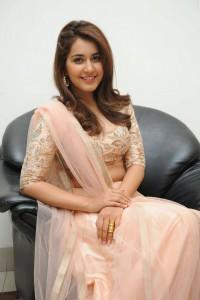 Rashi-Khanna-Stills-At-Jil-Movie-Audio-Launch-1