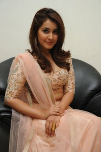 Rashi-Khanna-Stills-At-Jil-Movie-Audio-Launch-7