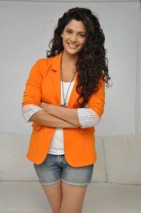 Saiyami Kher (21)