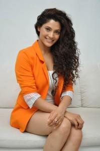 Saiyami Kher (34)