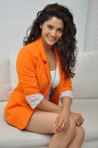 Saiyami Kher (36)