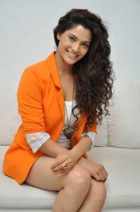 Saiyami Kher (37)
