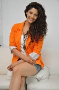 Saiyami Kher (41)