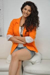 Saiyami Kher (42)