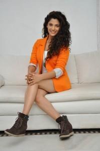 Saiyami Kher (54)