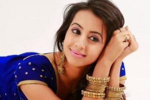 Sanjjana New Glam PhotoShoot Stills (24)