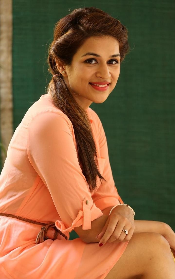 Shraddha-Das-Stills-At-Rey-Movie-Interview-110