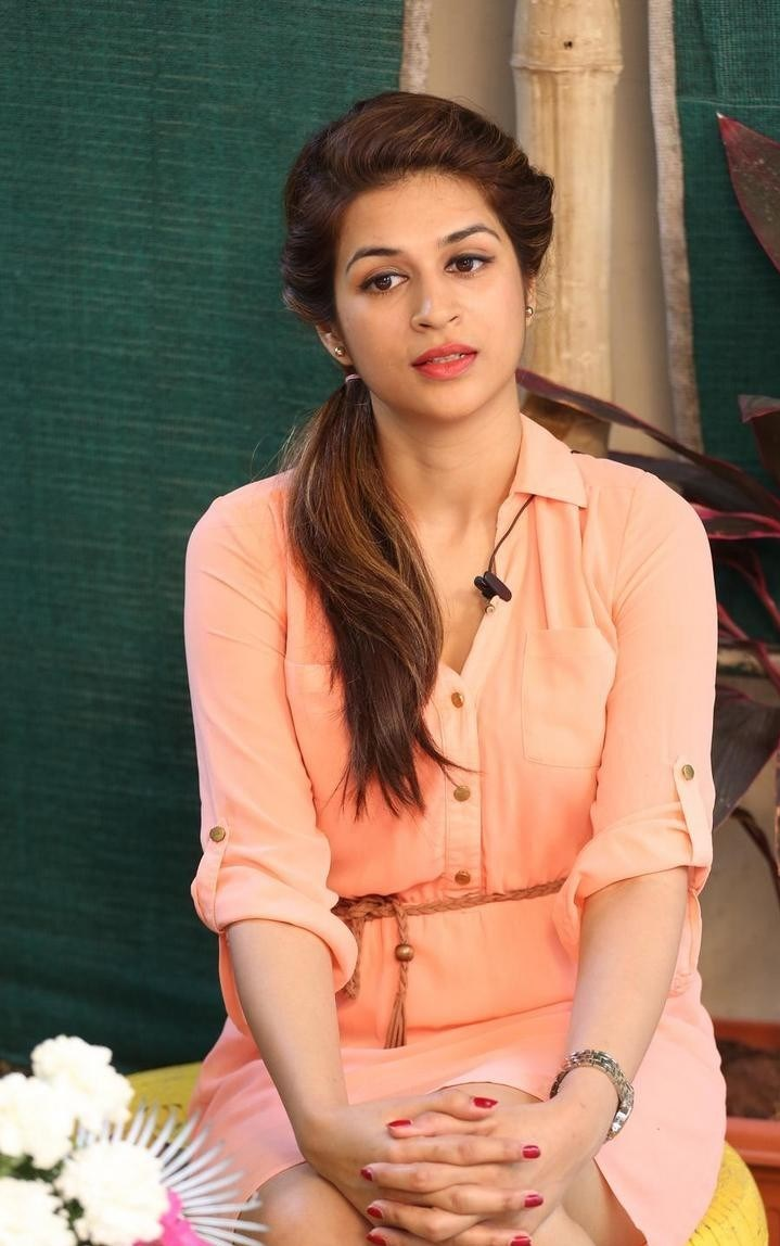 Shraddha-Das-Stills-At-Rey-Movie-Interview-191