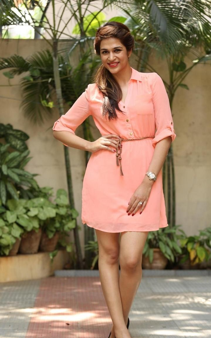 Shraddha-Das-Stills-At-Rey-Movie-Interview-201