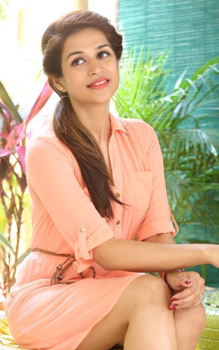 Shraddha-Das-Stills-At-Rey-Movie-Interview-30
