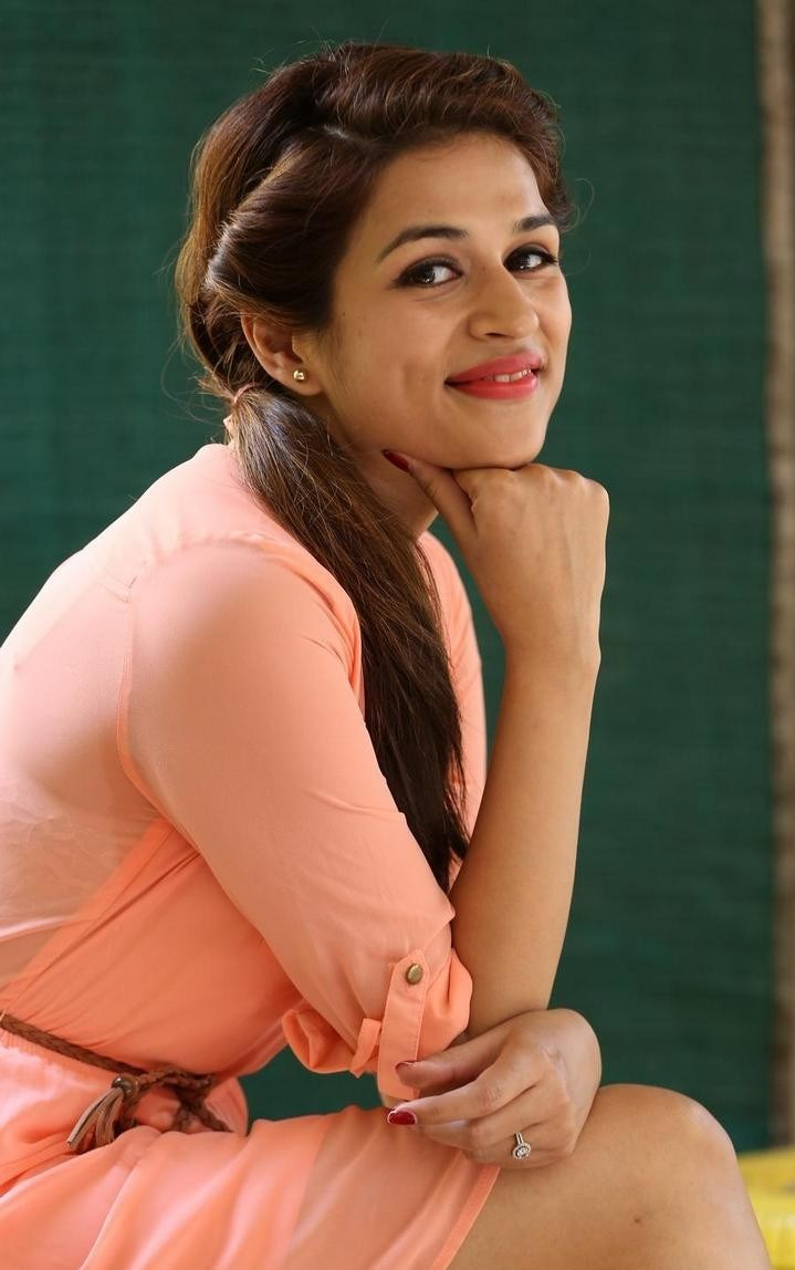 Shraddha-Das-Stills-At-Rey-Movie-Interview-31