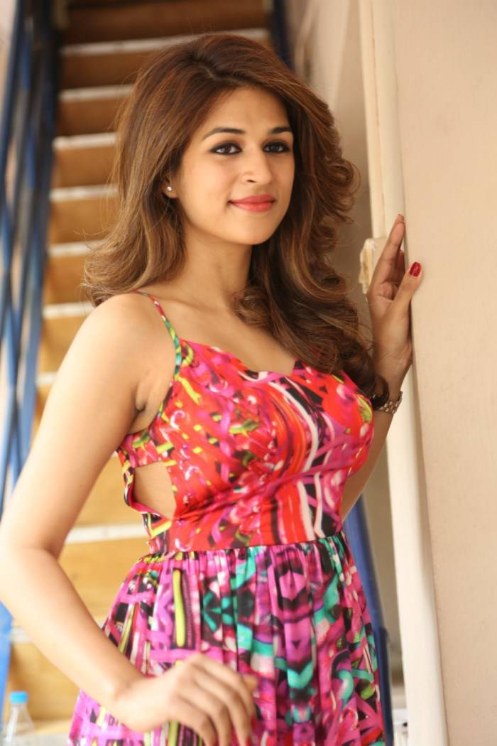 Shraddha-Das-Stills-At-Rey-Movie-Interview-4 (1)