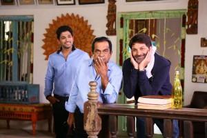 Son_Of_Satyamurthy_Movie_Working_Stills(14)
