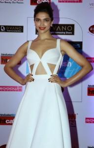 deepika-padukone-stills-at-ht-mumbai-most-stylish-awards-2015-3