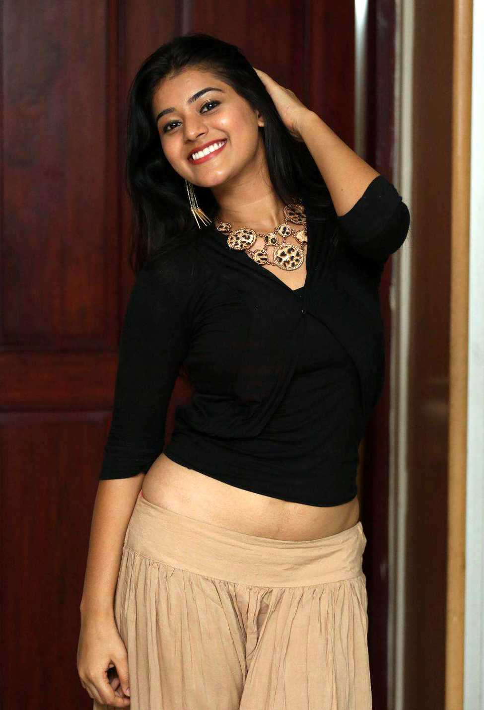 1428422759Yamini-Photoshoot-At-Kakatiyudu-Movie-Teaser-Launch-7