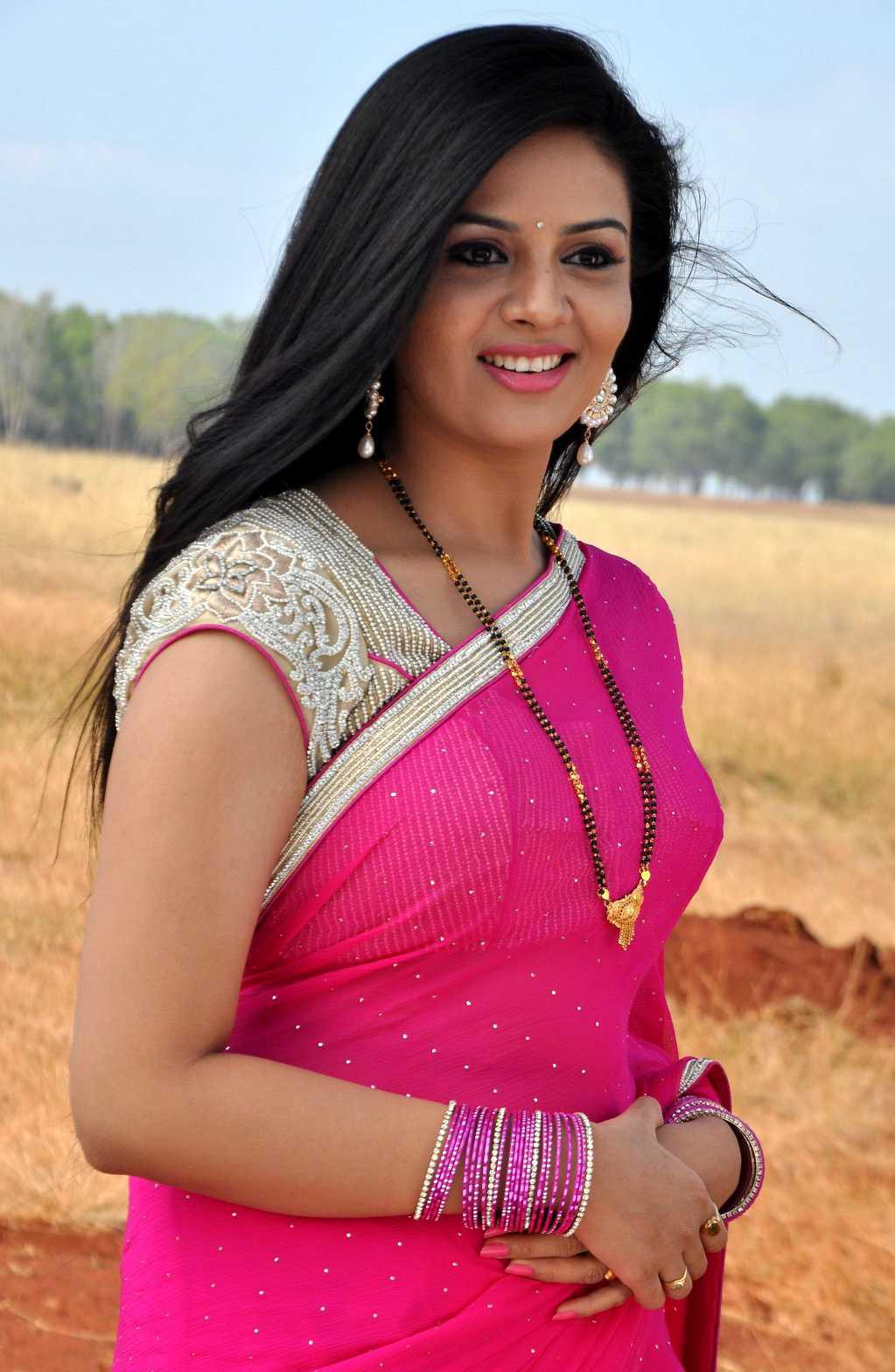 1428677656Film-Actress-Srimukhi-Chandrika-Movie-Stills-11