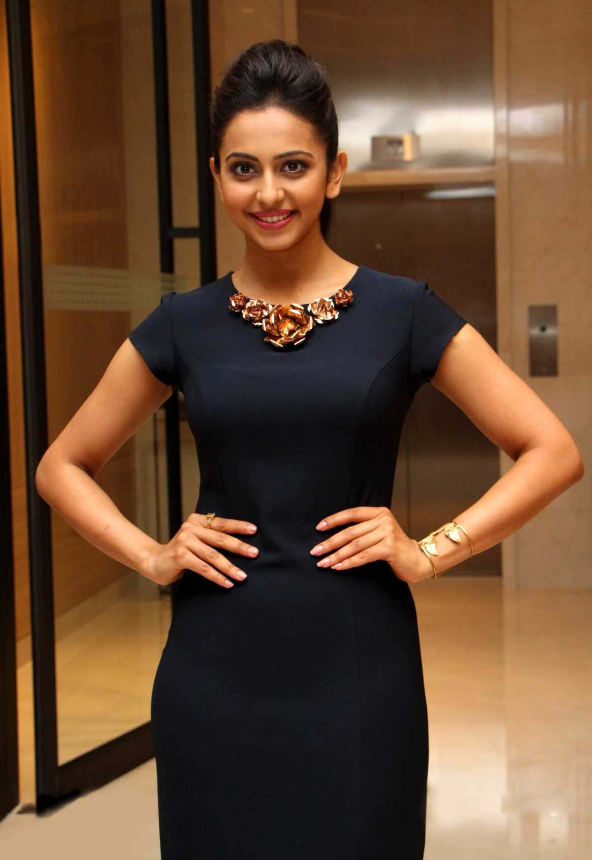 1428766625Actress-Rakul-Preet-Singh-Beautiful-Black-Dress-Pics-1