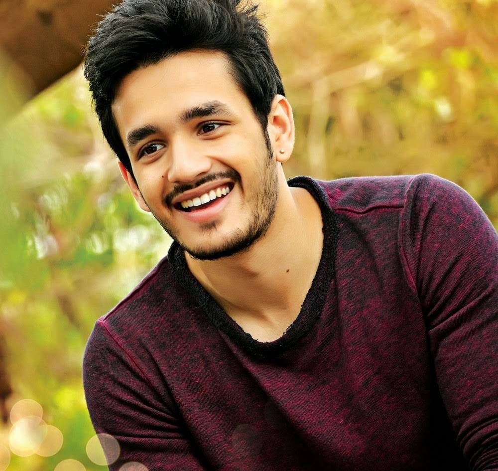 Akhil-Akkineni-Stills-From-Debut-Movie-1