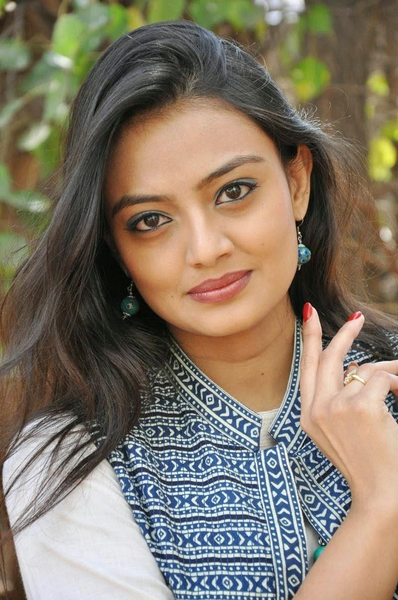 Nikitha Narayan Latest Photos (34)