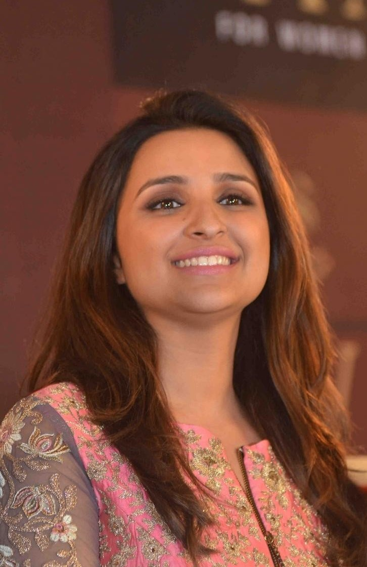 Parineeti-Chopra-Stills-At-SIYA-Fashion-Brand-Launch-1