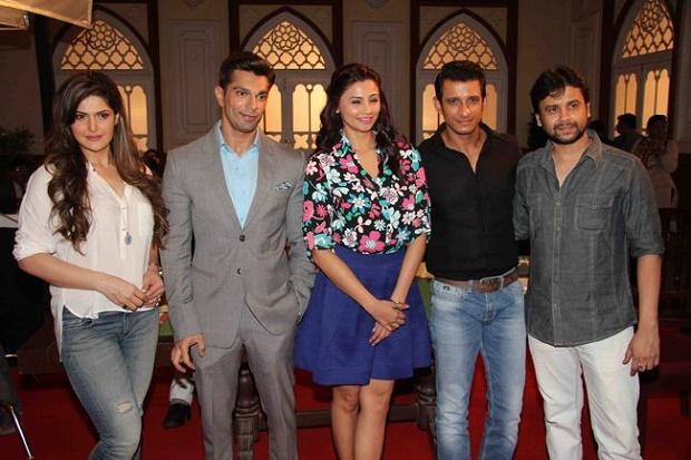 Zarine-Khan-and-Daisy-Shah-at-Film-Hate-Story-3