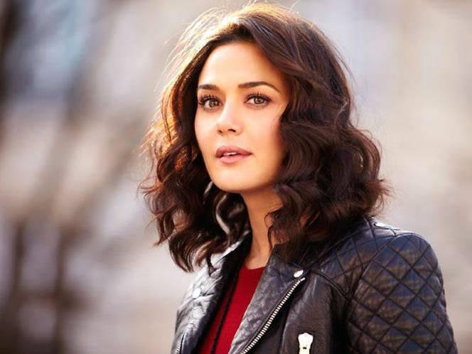 Preity-Zinta-engaged